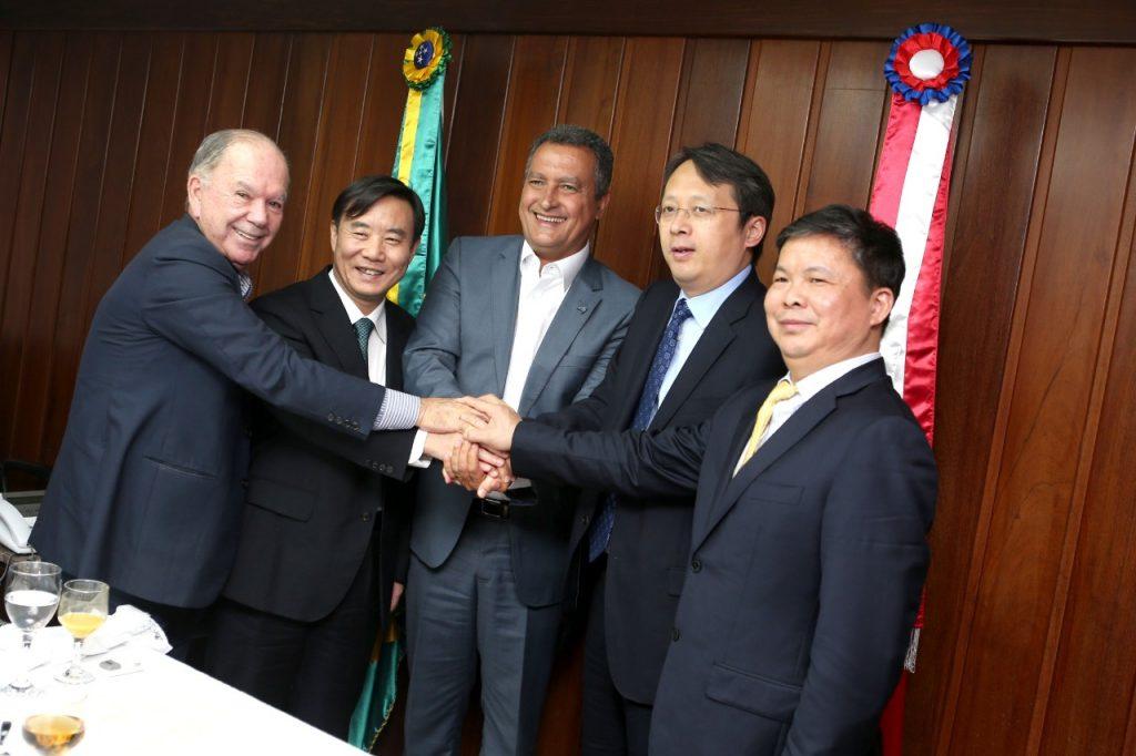 Edital da ponte Salvador-Itaparica deve sair até fim do ano, informa governador em reunião com chineses